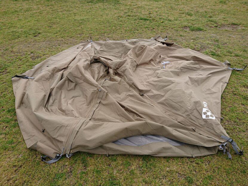 テントの設営方法イメージ15左