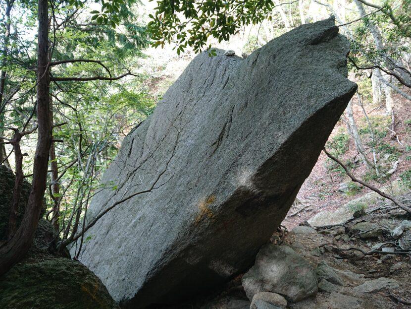 中登山道~山頂イメージ2